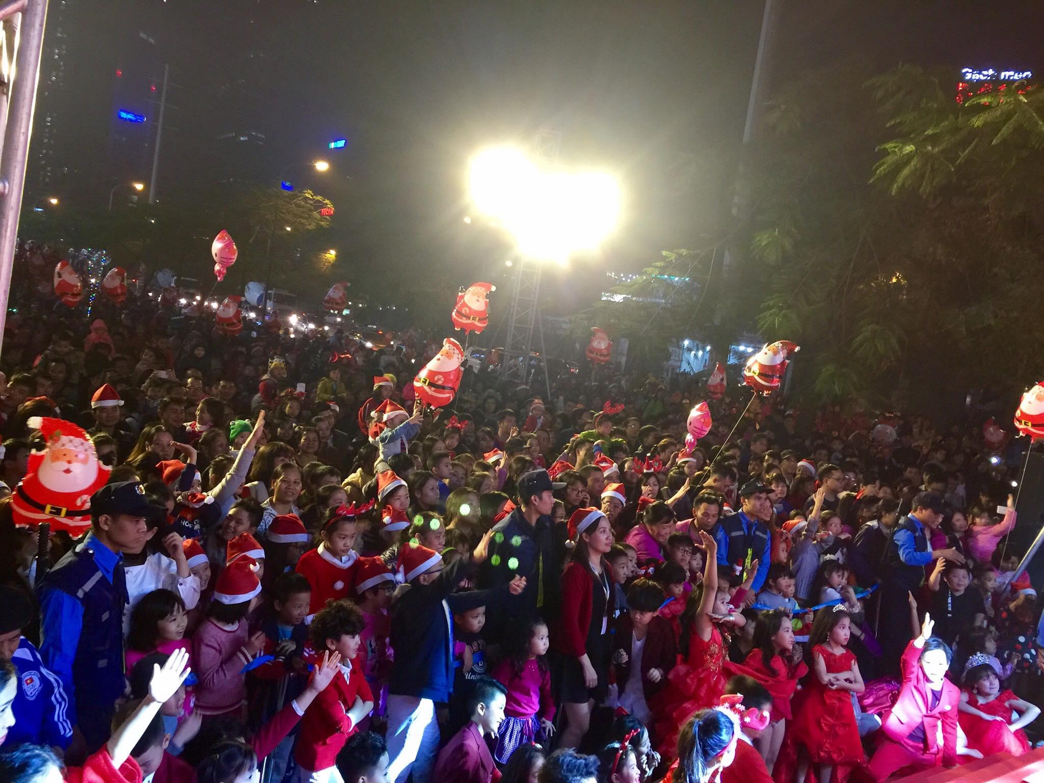 noel 2018 o ha noi Hanoi   SantaCon 2018   SantaCon.info noel 2018 o ha noi